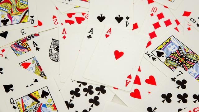 Manfaat Bermain Poker Online post thumbnail image